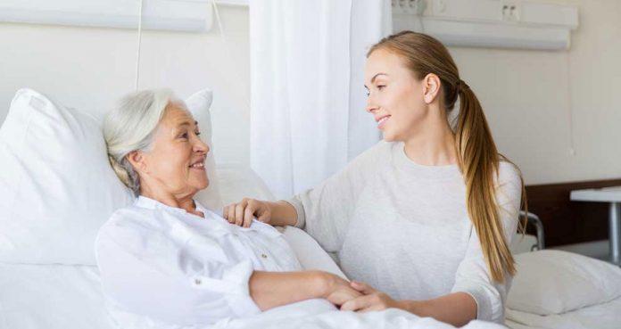 Cuidados com idosos acamados em casa